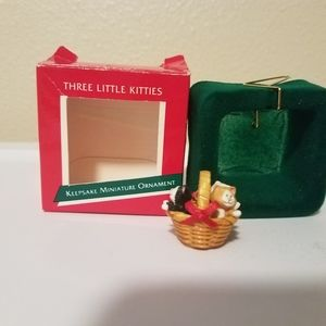 Three Little Kittens Hallmark miniature ornament